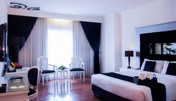 J Boutique Hotel Kuta - Kamar Deluxe (ranjang besar tipe king)