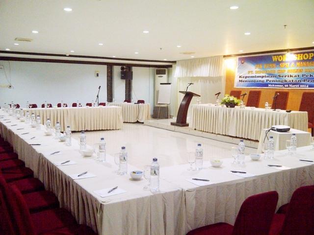 Aerotel Smile Makassar - meeting room