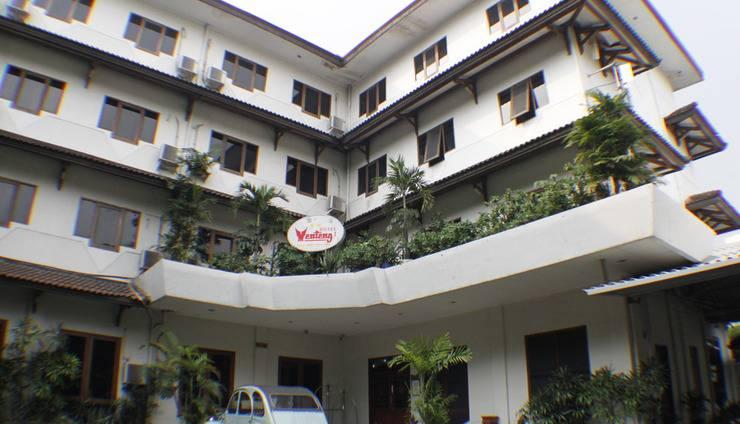 Hotel Menteng 1 Jakarta - Gedung Hotel