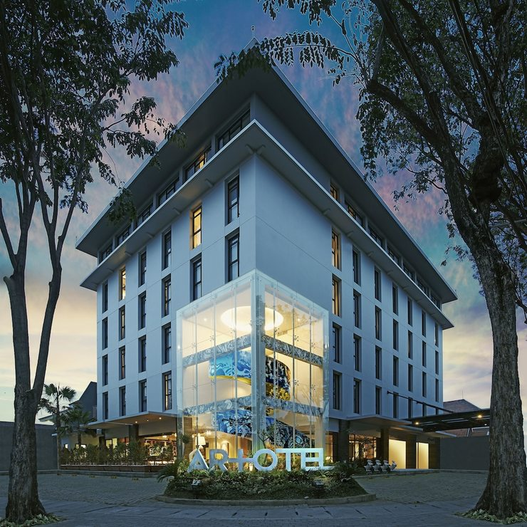 Artotel Surabaya - Featured Image