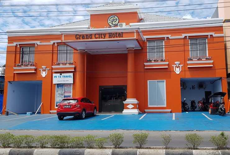 Grand City Hotel Kota Gorontalo - building
