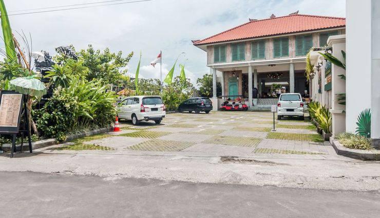ZEN Premium Seminyak Laksamana Bali - Tampak luar