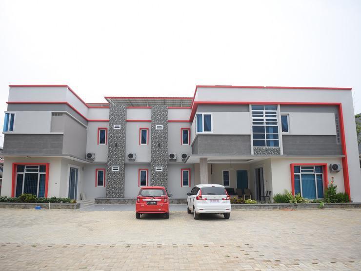 OYO 185 Roriz House Palembang - Facade