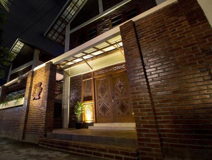 De Hostel Yogyakarta - Exterior