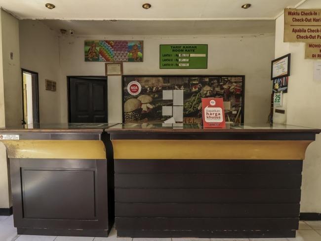 NIDA Rooms Central Banjarmasin - Resepsionis