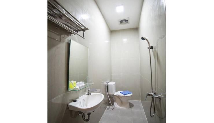 Sunrise Hotel Semarang Semarang - Bathroom