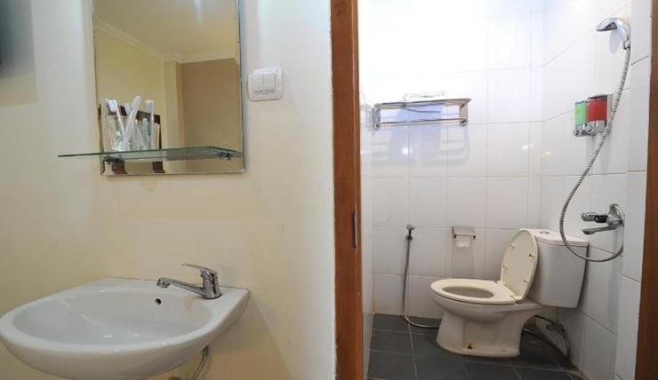 Hotel Vala Yogyakarta - Bathroom