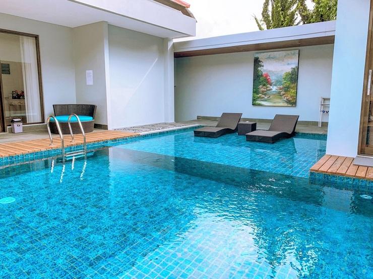 7 BR Mountain View Villa with a private pool 1 Bandung - Kolam renang