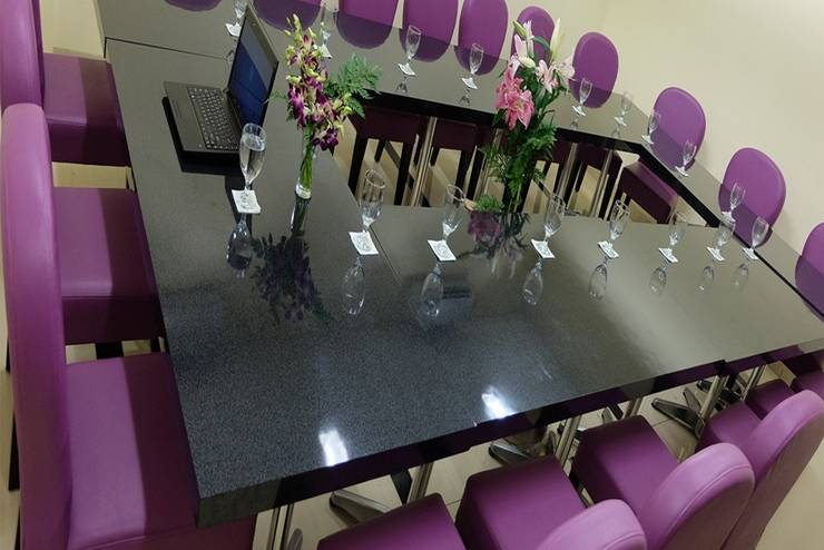 Nite & Day Jakarta Bandengan - Ruang Rapat