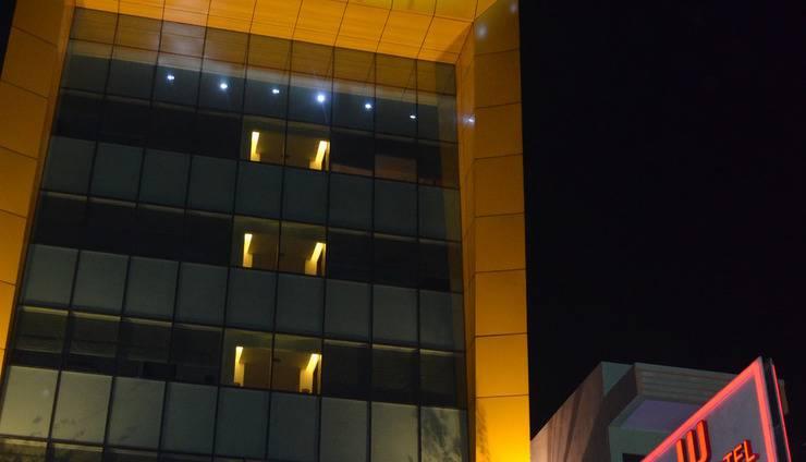 World Hotel Jakarta - hotel