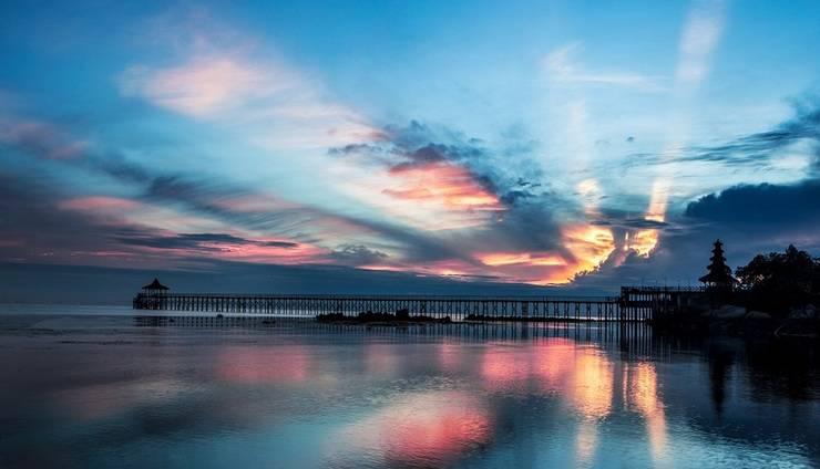 Turi Beach Resort Batam - Matahari Terbit di Island Bar