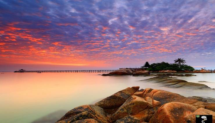 Turi Beach Resort Batam - Matahari Terbit di Island Bar Turi Beach Resort