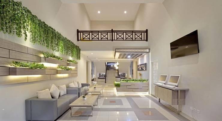 Harga Hotel Whiz Prime Hotel Darmo Harapan Surabaya (Surabaya)