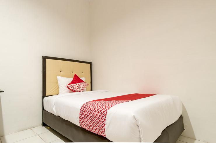 OYO 622 Bakti Homestay Medan - Bedroom