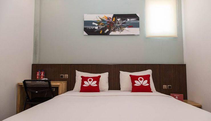 ZenRooms Batu Pageh Legian Kuta - Tampak tempat tidur double