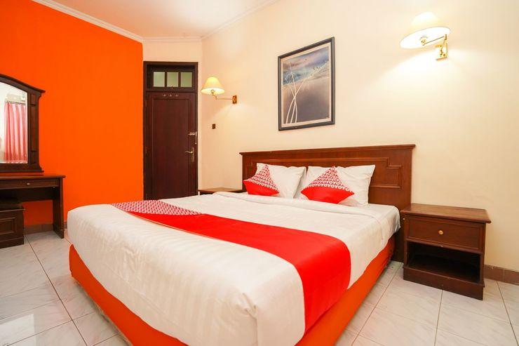 OYO 1225 Hotel Dibino Surabaya - Bedroom