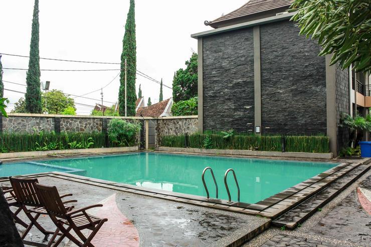 Airy Gudangkahuripan Raya Lembang 15 Bandung - Pool