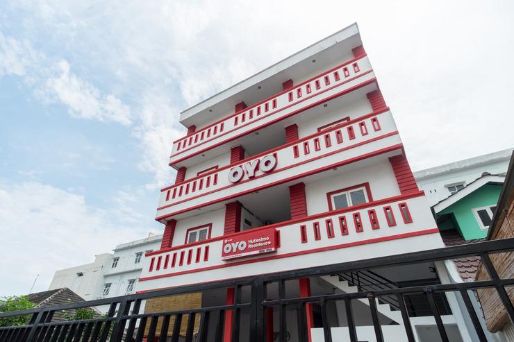 OYO 447 Hutasimo Residence Medan - Facade