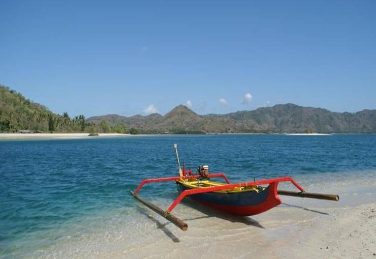 Nirvana Gili Sudak Resort Lombok - Pantai