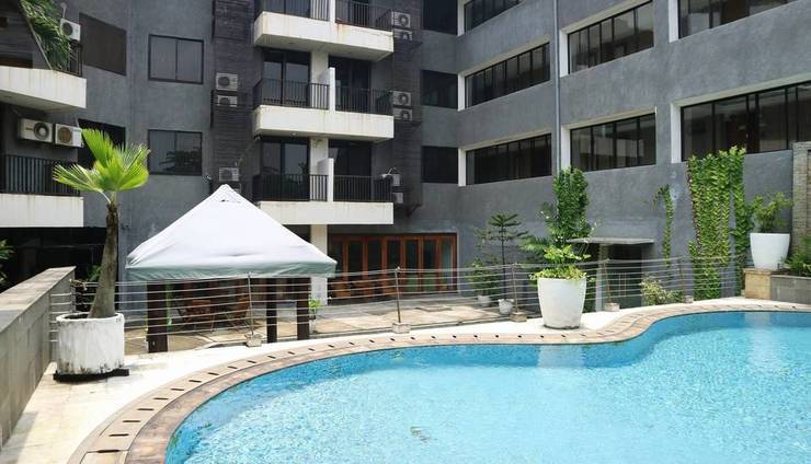 Shinju Apartment Cilandak - Swimming Pool 1