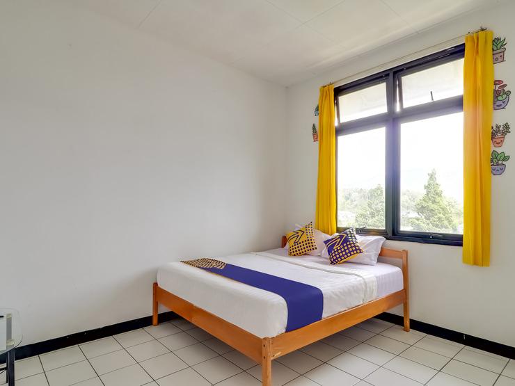 SPOT ON 3940 Villa Gunung Agape Cianjur - Guestroom Sp/D