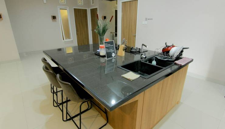 Agrapana Guesthouse 2 Yogyakarta - Kitchen