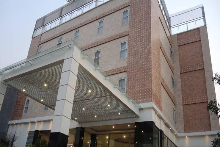 Hotel Marilyn South Tangerang - Tampilan Luar Hotel