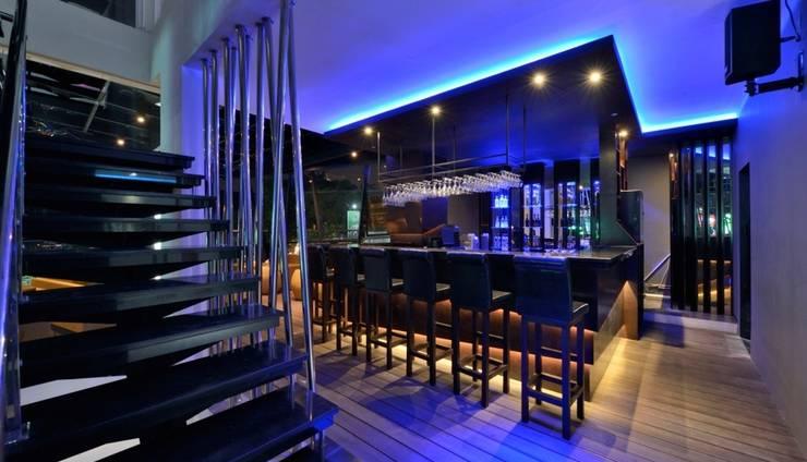 Oak Tree Mahakam Jakarta - Aqualuna Lounge