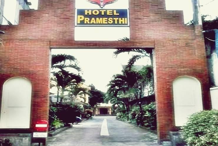Hotel Pramesthi Solo - Tampilan Luar Hotel