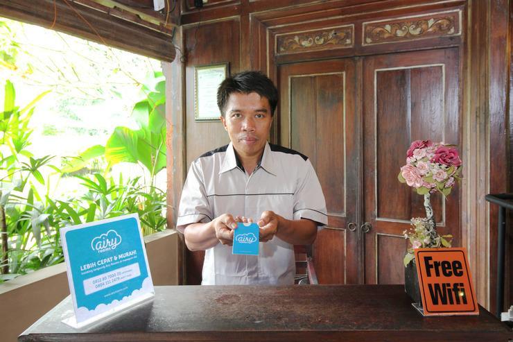Airy Sardonoharjo Rejodani Yogyakarta - Receptionist