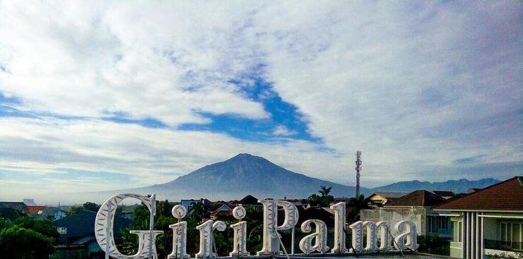 Giri Palma Hotel Malang - Exterior
