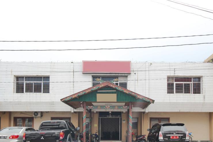 Airy Pahandut Halmahera 21 Palangkaraya - Hotel Front