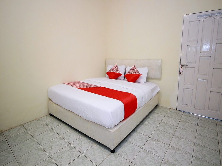 OYO 1335 Anie 71 Residence Bengkulu - Bedroom