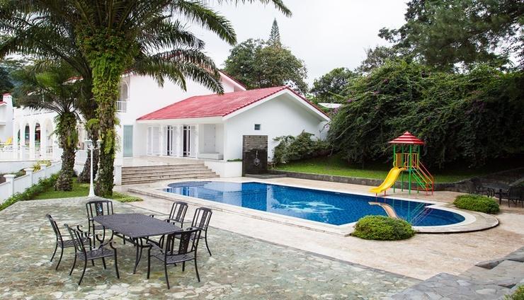 The White House Puncak Bogor - Pool