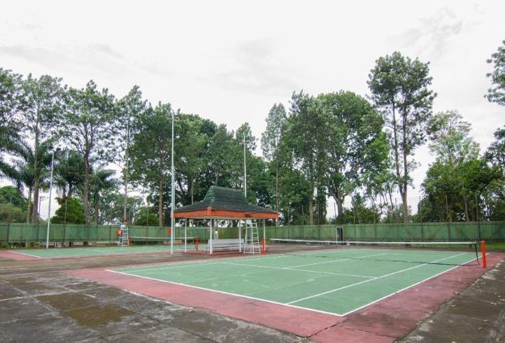Rollaas Hotel and Resort Malang - Tennis Court