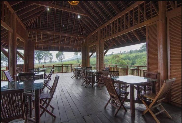 Rollaas Hotel and Resort Malang - Anjungan Rollas