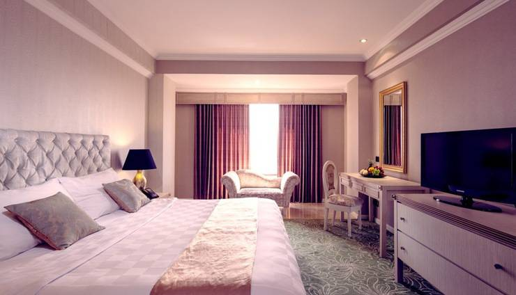 Garden Palace Surabaya - DELUXE THEME ROMAN