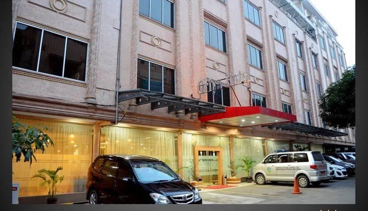 Griya Hotel Medan - TAMPAK DEPAN HOTEL GRIYA