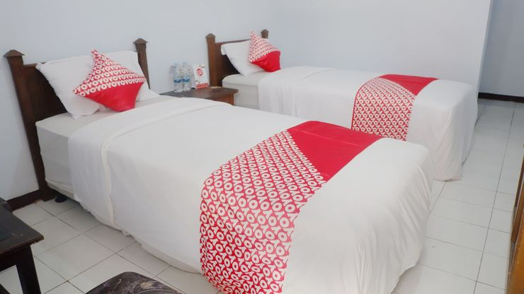 OYO 926 Hotel Nugraha Malang - Bedroom