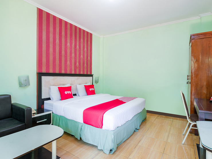 OYO 3749 Hotel Global Inn Syariah Surabaya - Bedroom