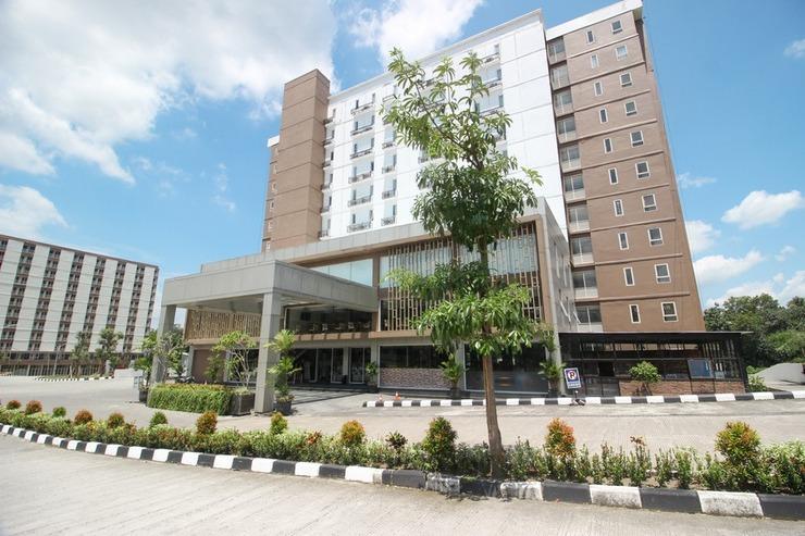 RedDoorz Apartment @ Malioboro City Adisucipto Yogyakarta - Exterior