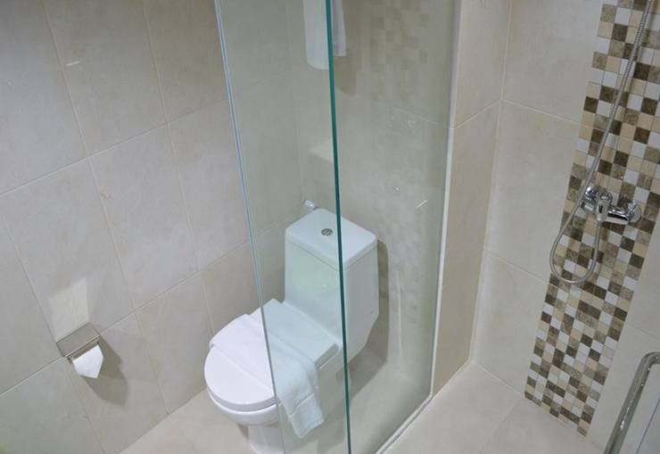 NJ Hotel Semarang - Kamar mandi