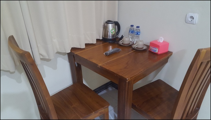 Hotel Wood 7296 Semarang - interior