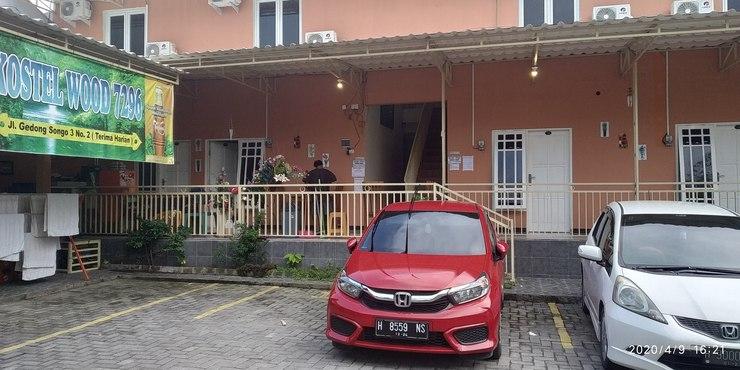 Hotel Wood 7296 Semarang - tampak muka