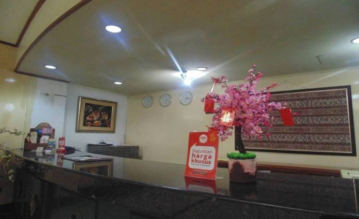 NIDA Rooms Manado Sam Ratulangi Manado - Resepsionis