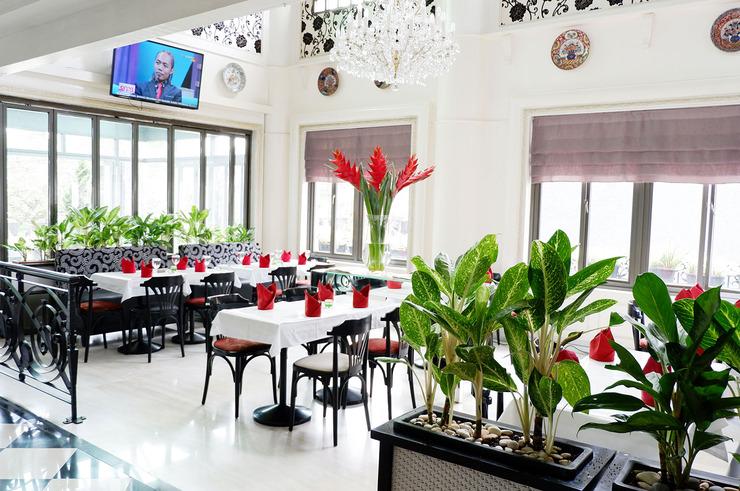 Geulis Boutique Hotel & Cafe Bandung - Restaurant