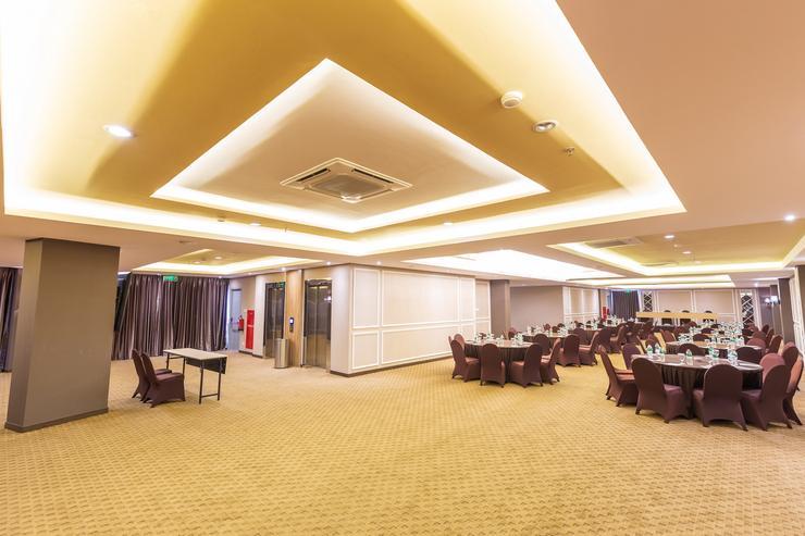 Great Diponegoro Hotel by Azana Surabaya - Banquet Hall