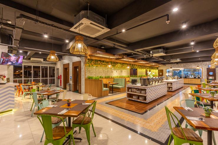 Great Diponegoro Hotel by Azana Surabaya - Restaurant