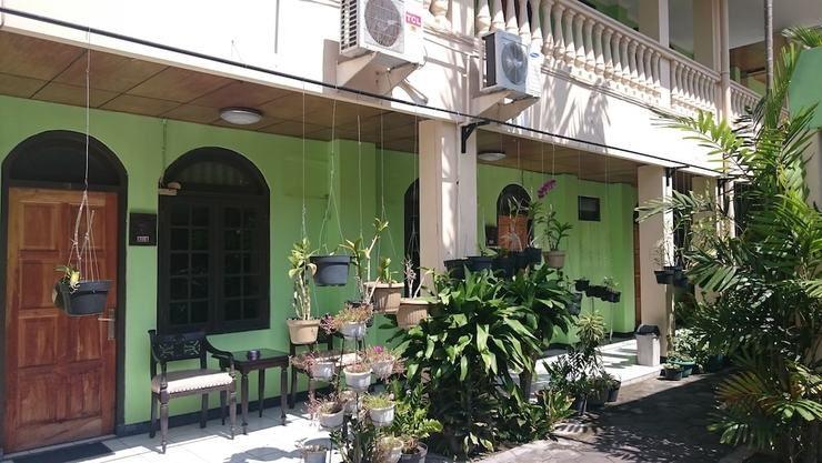 Metro Guest House Yogyakarta - Terrace/Patio