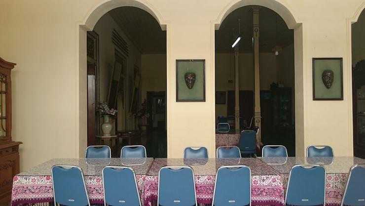 Metro Guest House Yogyakarta - Dining